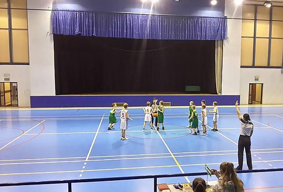 W sobotę oprócz meczu seniorów Nasi najmłodsi podopieczni zagrali swój pierwszy ligowy turniej w Sosnowcu!