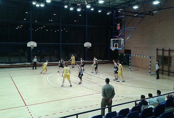 Wygrywamy w Katowicach ze wzmocnioną 2-ligowymi zawodnikami drużyną Mickiewicza.
