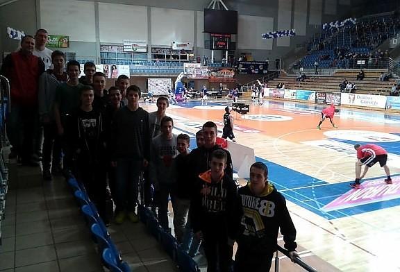 Młodzież DAAS Basket Hills Bielsko-Biała na meczu Tauron Basket Ligi