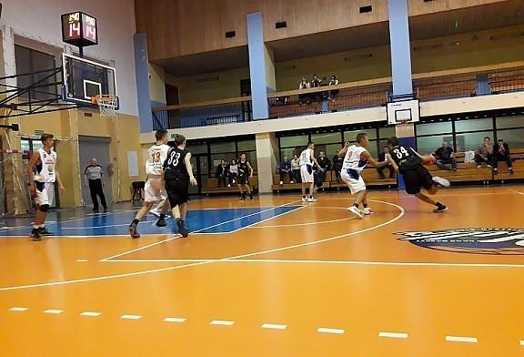 Tychy wygrywaja w Bielsku w pierwszym meczu